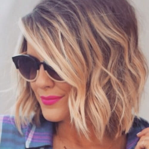 medium wavy blonde hair