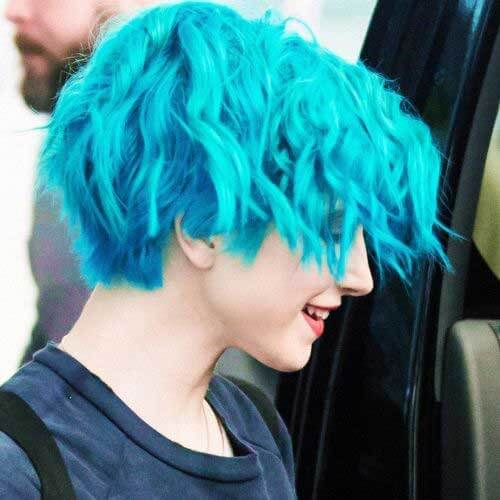 hayley williams electric blue short hair