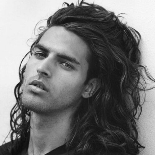long and wavy men hairstyle