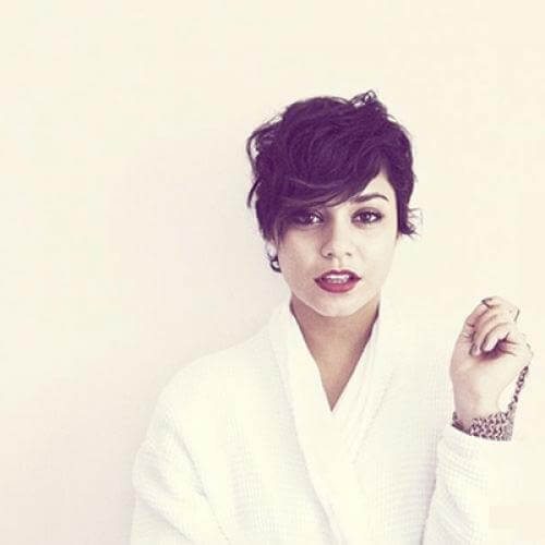 50 Wavy & Curly Pixie Cut Ideas For All Face Shapes