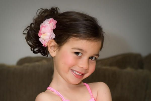 half up hairstyle for little girls