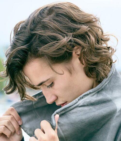 medium hair for curly men