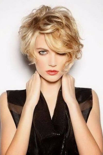 Dare To Be Bold 65 Irresistibly Cool Ways To Wear Your Short Wavy Hair Hair Motive Hair Motive