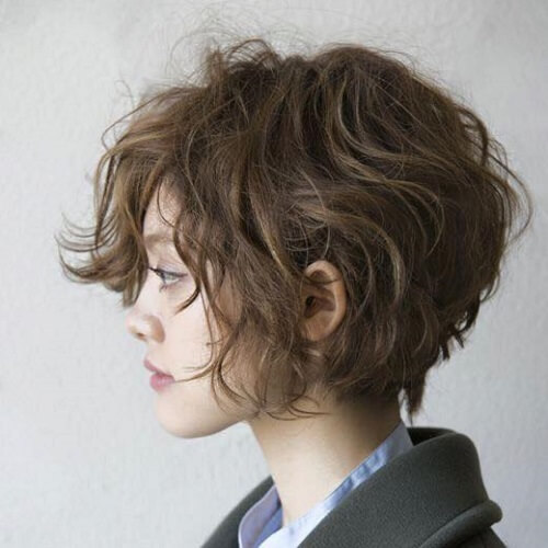 short wavy haircut