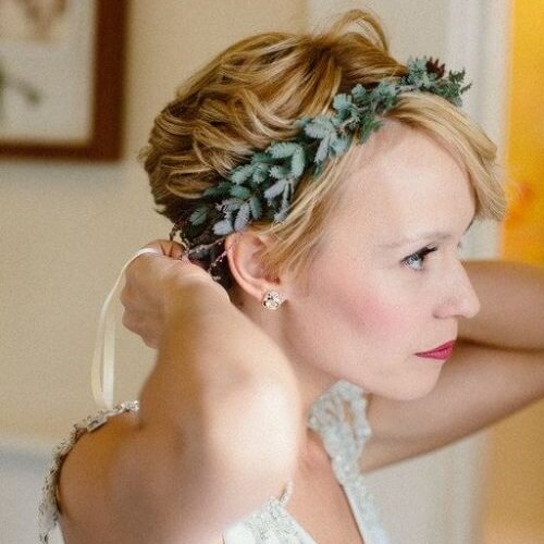 Natural Short Wedding Hairstyle