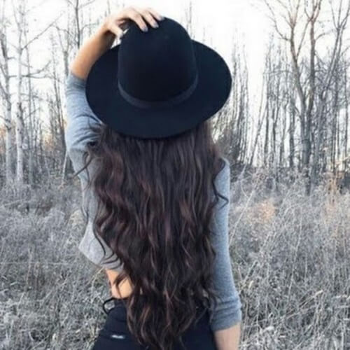 Long Wavy Hairstyles with Hats