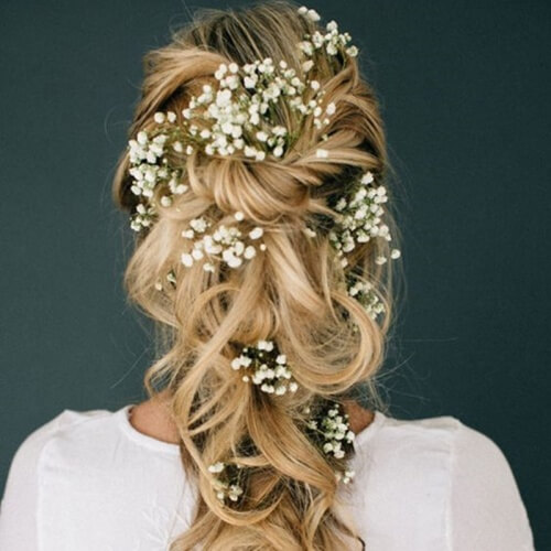 Romantic Wavy Hairstyle with Flowers
