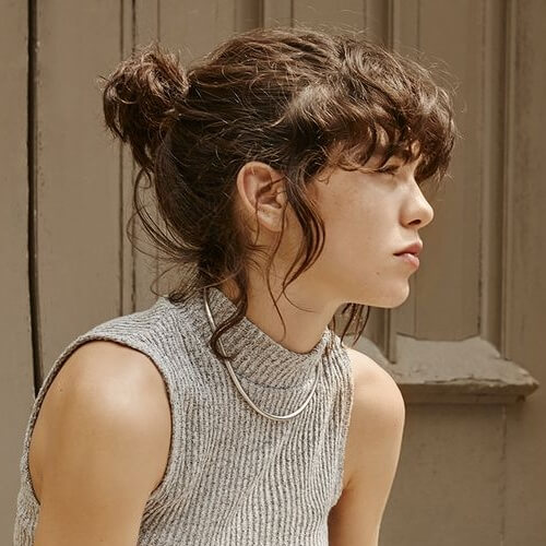 Short, Cute and Messy Ponytail