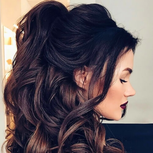 Flattering Hairstyles for Thick Curly Hair