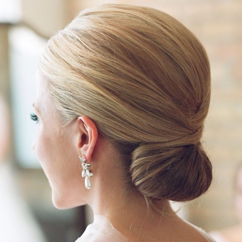 Chignon hairstyle for long hair hairstyles - Chignon original ...