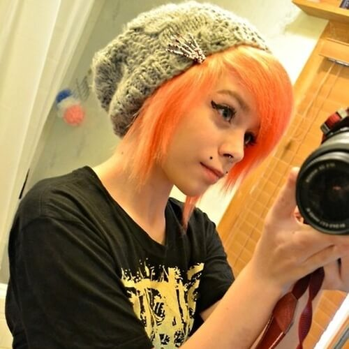 Accessorized Emo Girl Hairstyles for Short Hair