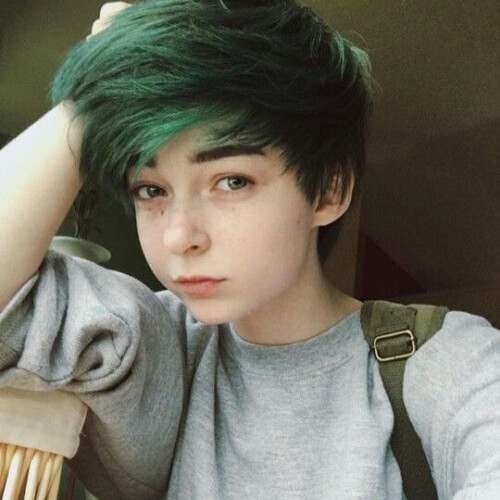 Boyish Emo Hairstyles for Short Hair Girls