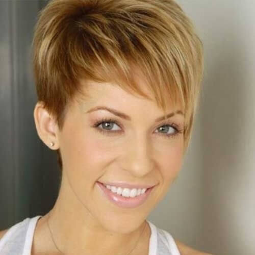 Short Haircuts for Thick Hair and Oval Faces