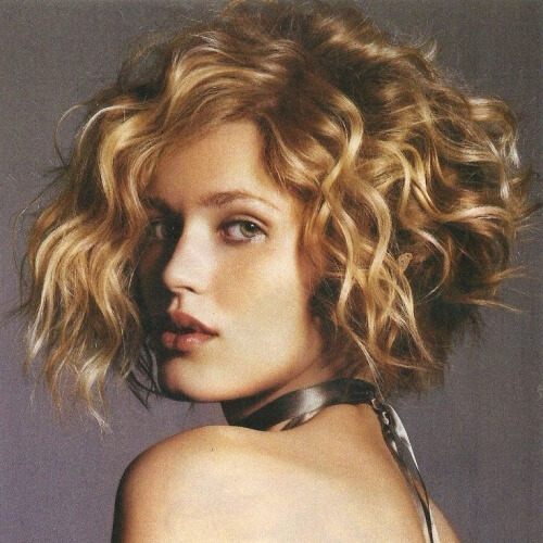 wedge haircut for curly hair 50 wedge haircut ideas for hair motive hair motive 2953