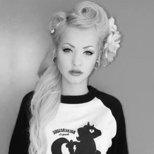 Vintage Hairstyles with Big Accessories