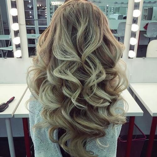 Hairstyles for Christmas Party with Big Loose Curls