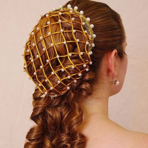 Vintage Honey Brown Hairstyle