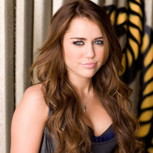 Go Crazy Go Country Get Inspired By 50 Miley Cyrus Haircuts Hair Motive Hair Motive