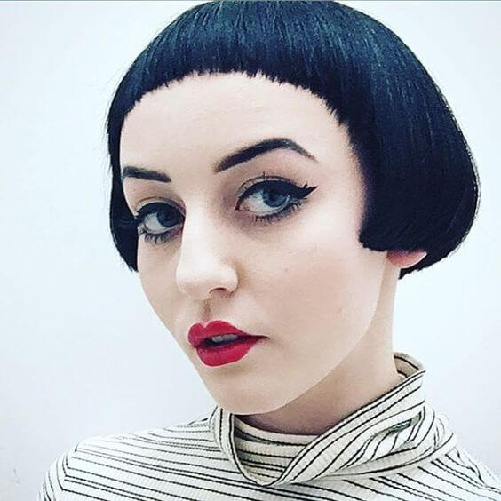 Pageboy Haircut with Rounded Hairline