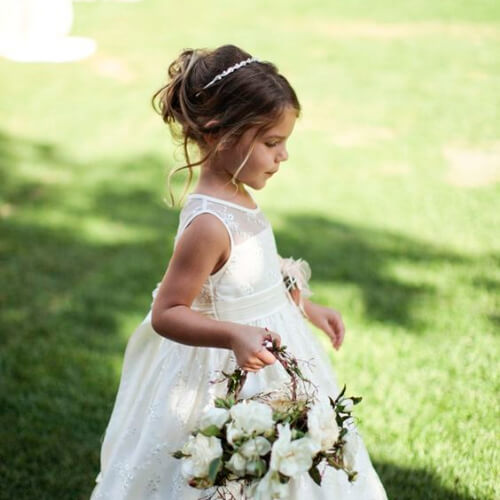 50 Heartwarming Flower Girl Hairstyles