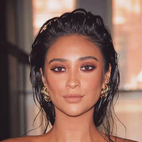 Shay Mitchell wet hairstyles for wedding guest
