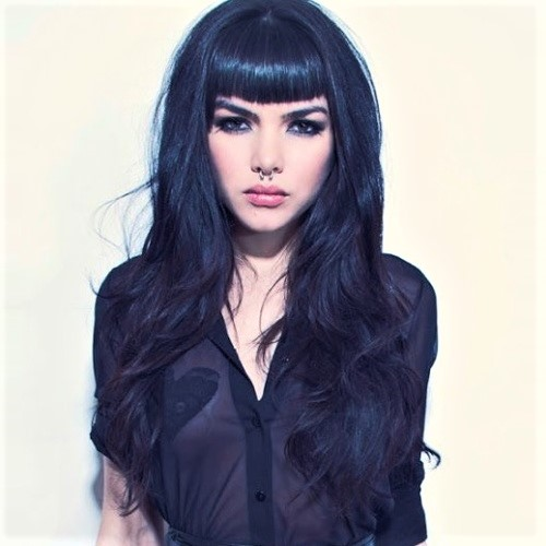 Cool Long Layered Haircuts with Bettie Bangs
