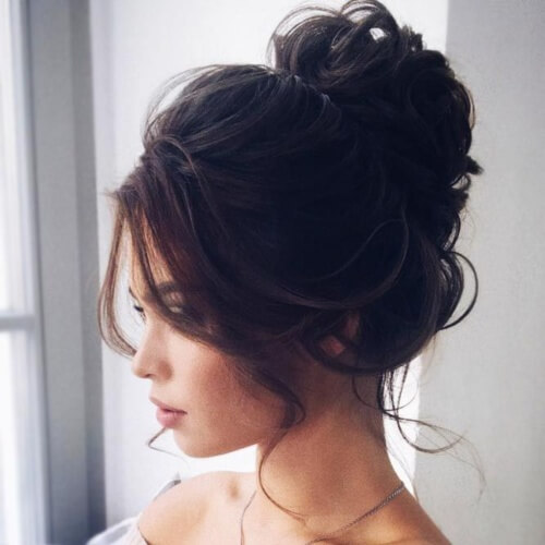Perfect Messy Bun for Formal Occasions