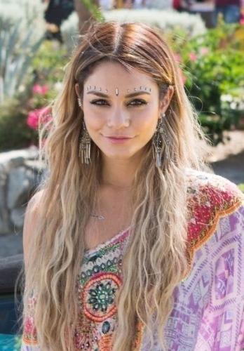 natural bohemian hairstyle