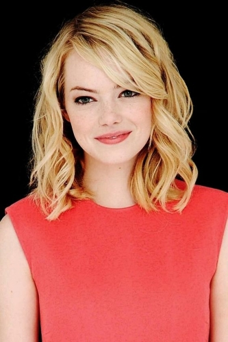 youthful blonde emma stone haircut