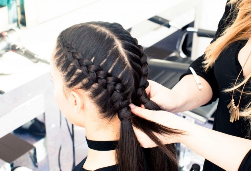 how to braid cornrows in 2 and 4 strands