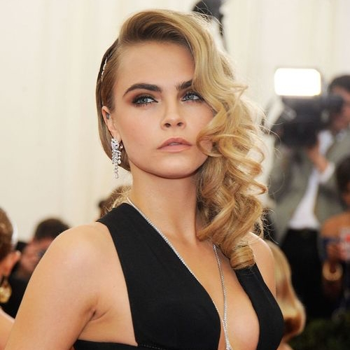 Cara Delevigne Old Glam Side Swept Waves